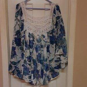 Cato Blue & White Lined Bat Wing Blouse 26/28